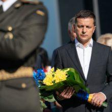Володимир Зеленський ушанував пам'ять захисників України, які загинули в боротьбі за незалежність, суверенітет і територіальну цілісність держави
