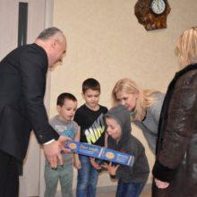 """В'ячеслав Швець під час візиту до дитячих будинків сімейного типу: """"Саме за такою формою виховання – майбутнє"""""""