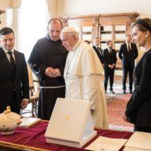 У Ватикані відбулася аудієнція Президента України та першої леді з Його Святістю Папою Франциском
