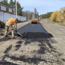 Ремонтні роботи автодороги Т-24-08                   у Дубіївці тривають