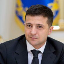 Потрібно було реагувати на ефективність роботи Кабінету Міністрів – Володимир Зеленський в інтерв'ю Bloomberg