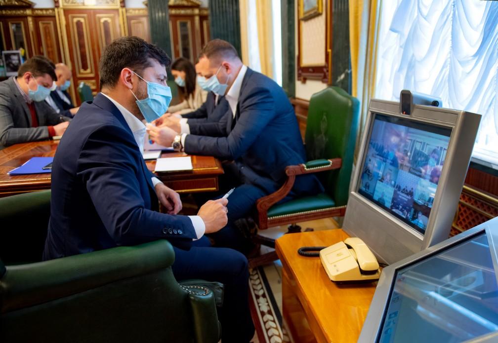 Україні потрібно більше економічних рішень під час виходу з епідемії – Президент