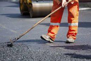 Обласне управління виявлення корупції проводить обстеження проведених ремонтів на місцевих автошляхах