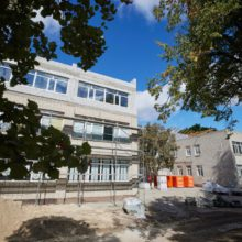 Володимир Зеленський відвідав навчально-реабілітаційний центр «Країна добра», який реконструюють у межах програми «Велике будівництво»