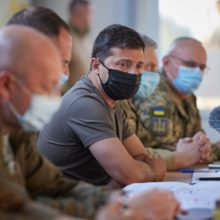 Глава держави провів на Донбасі нараду з питань роботи Тристоронньої контактної групи