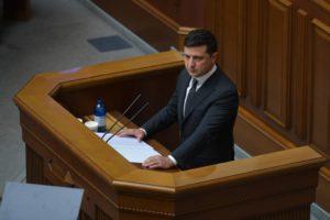 Не маємо права розслабитись у протидії COVID-19 – Президент під час послання до парламенту