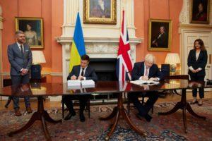 Володимир Зеленський і Борис Джонсон підписали Угоду про політичне співробітництво, вільну торгівлю та стратегічне партнерство між Україною та Великою Британією