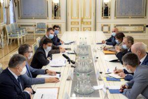 Попри пандемію, необхідно розвивати економіку, чому сприяють спільні проекти – Президент на зустрічі з французьким інвестором