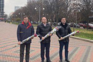 Керівники Черкаського району вшанували пам'ять Героїв Небесної сотні та всіх, хто віддав своє життя за право жити у вільній і незалежній Україні