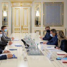 Президент обговорив з очільником МКЧХ питання взаємного звільнення полонених, пошук зниклих безвісти та розмінування на Донбасі