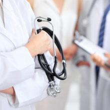 Пацієнт, який не уклав декларацію з сімейним лікарем, може розраховувати на допомогу мобільної бригади, що тестує на COVID-19 та на амбулаторне лікування – НСЗУ