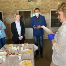 У селі Первомайське Черкаського району родина переселенців виготовляє крафтові сири