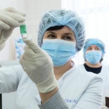Чи потрібно повторювати вакцинацію від COVID-19 щороку