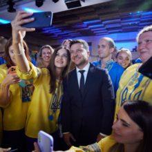 Володимир та Олена Зеленські провели українську збірну на Паралімпійські ігри в Токіо