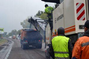 До обласного центру – комфортними дорогами: у Черкасах триває ремонт вулиці Канівської