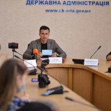 «Школи не зможуть працювати офлайн, якщо буде низький рівень вакцинації вчителів», – Олександр Скічко